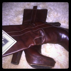 Frye Shoes - Frye Victoria Mid boots size 8 cognac NWT